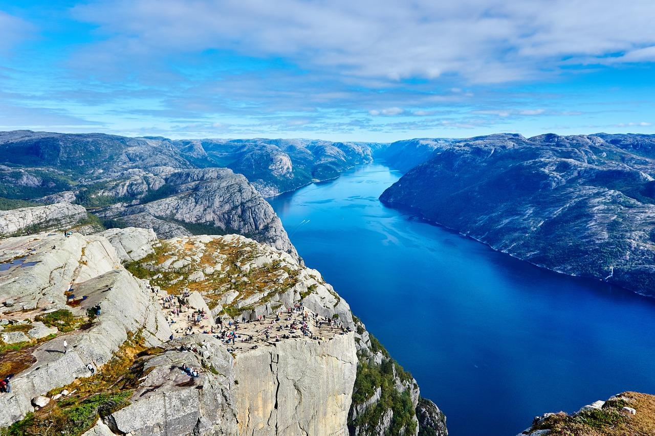 Yachtcharter Norwegen Fluss