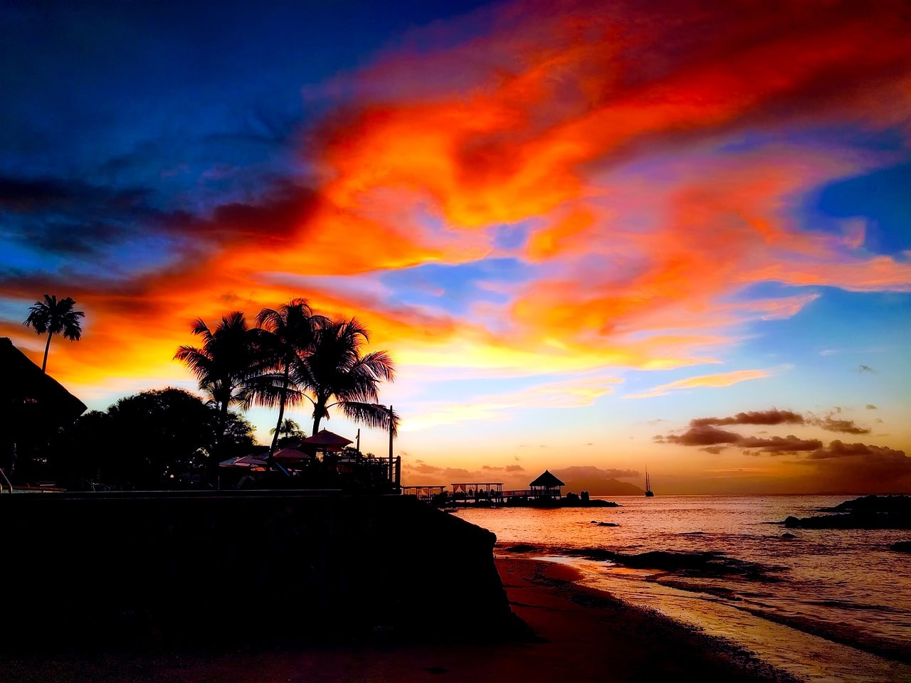 Yachtcharter Seychellen Strand Sonnenuntergang