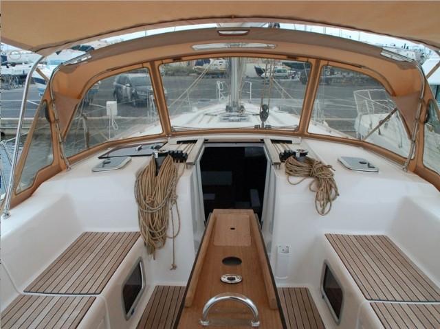 ambiente-v-dufour-445-cockpit