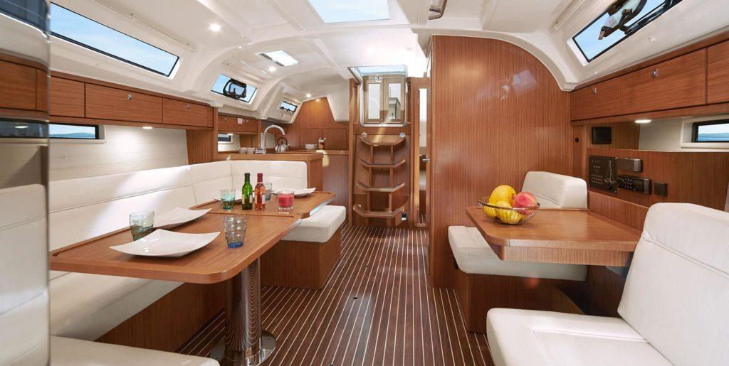 bavaria-sy-cruiserline-cruiser41-interior-keyvisual-1024x515